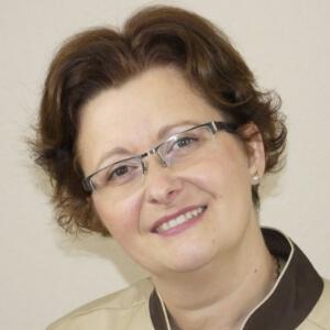 Seresné Papucsek Annamária